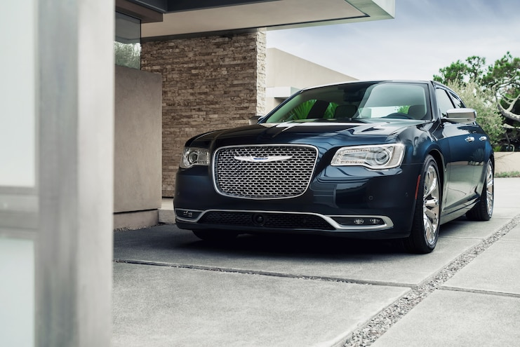 2015 Chrysler 300C Platinum Front End