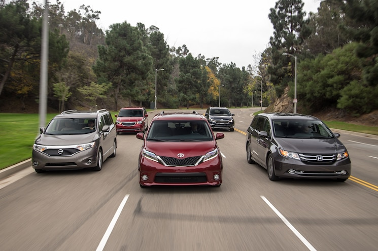 2014 2015 Midsize Family Vans Front End In Motion