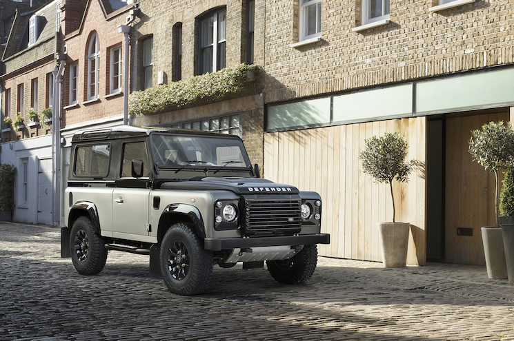 Land Rover Defender Autobiography Edition Front Three Quarter