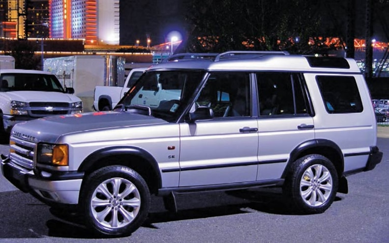 2002 Land Rover Discovery front View