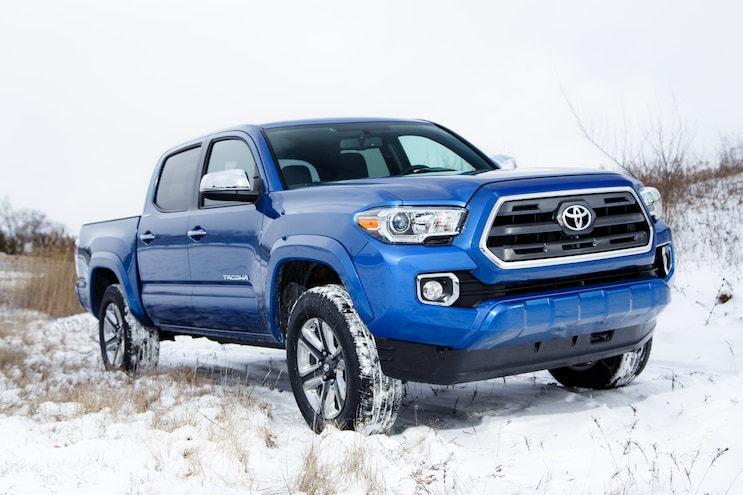 Sneak Peek! 2016 Toyota Tacoma Breaks Cover!