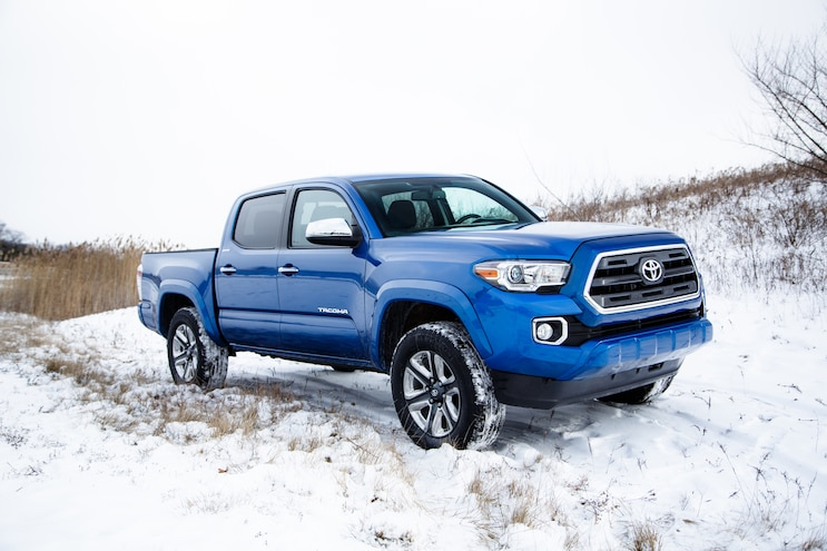 2016 Toyota Tacoma Double Cab Limited Side 02
