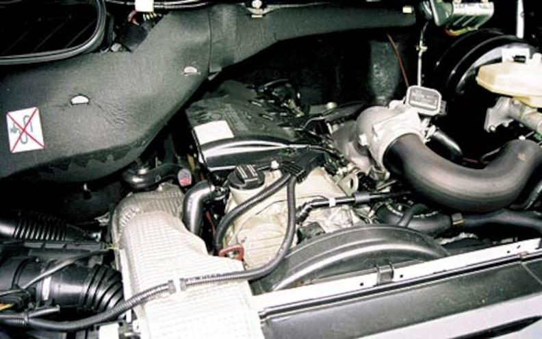 2004 Dodge Sprinter Engine View