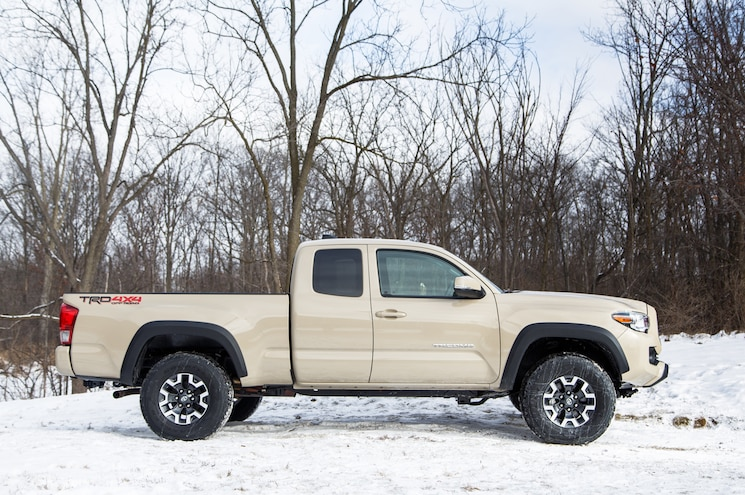 2016 Toyota Tacoma Access Cab Trd 4x4 Off Road Side Profile View Photo Gallery 51 Photos