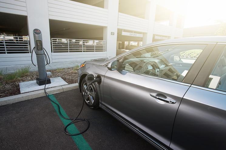 2016 Hyundai Sonata Plug In Hybrid Charging Station
