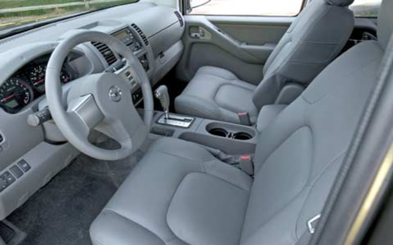 2005 Nissan Frontier front Interior View