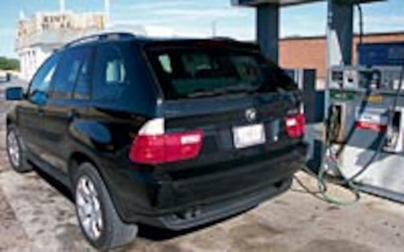 2001 BMW X5 44i Rear Drivers Side View