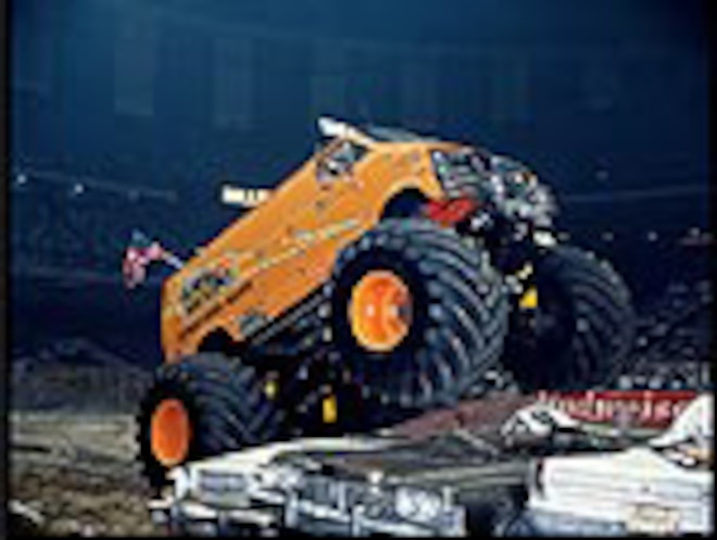 1972 Dodge Van Monster Truck - Rollin Thunder