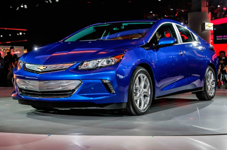 2016 Chevrolet Volt First Look