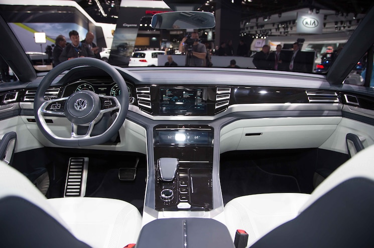 Volkswagen Cross Coupe GTE Concept Interior