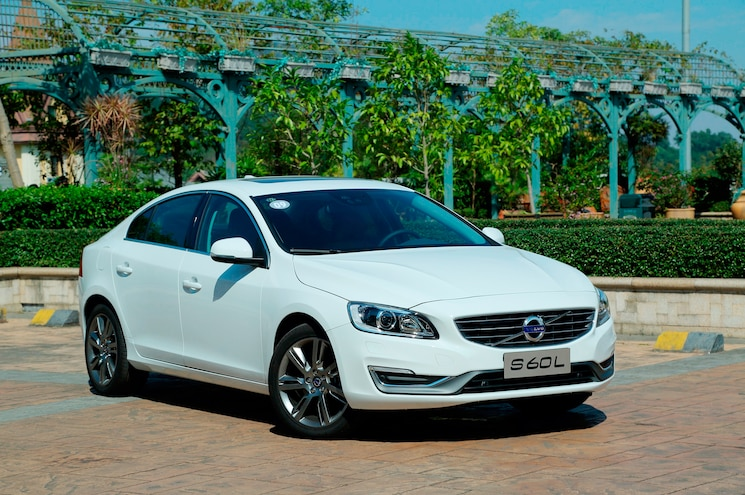 Volvo S60L PHEV First Drive