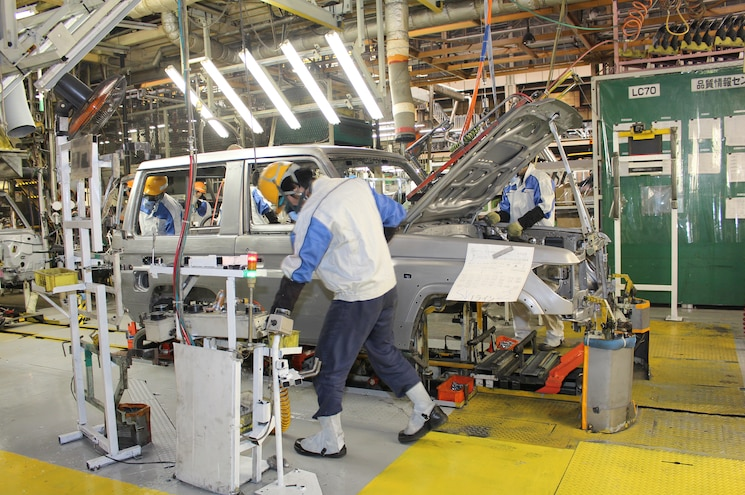 Toyota Land Cruiser 70 Series Assembly Line 02