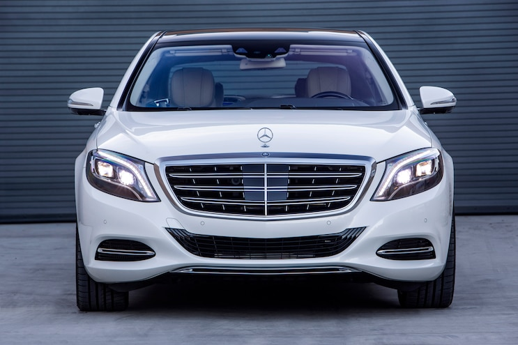 2016 Mercedes Maybach S600 Front End 02