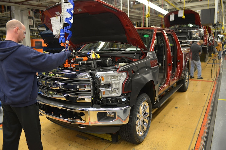 Ford Idling Production At Several Plants to Reduce Inventories