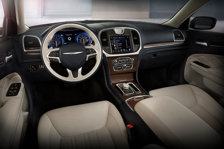 2015 Chrysler 300C Platinum Interior