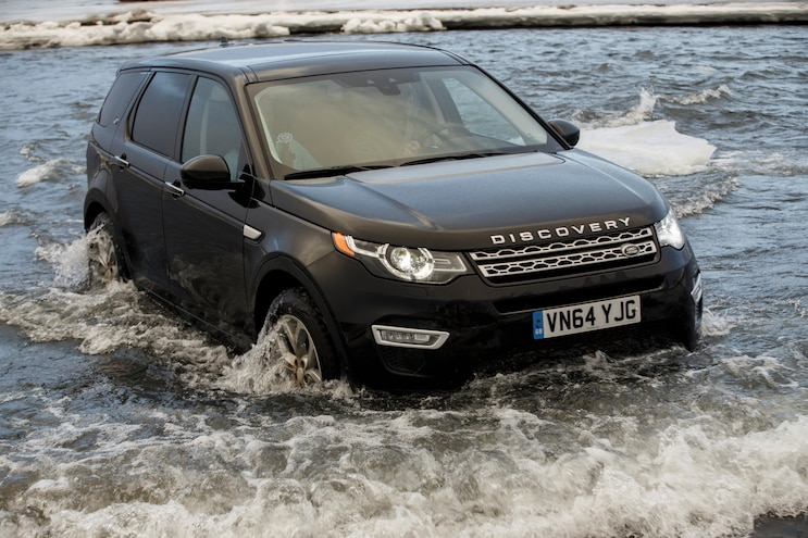 2015 Land Rover Discovery Sport Front Three Quarter 10