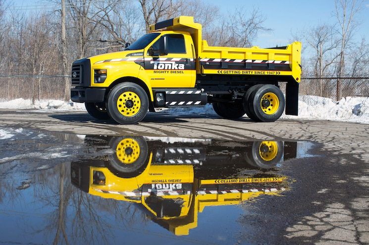 Ford Reveals 2016 F-650 and F-750 With Giant TONKA Truck