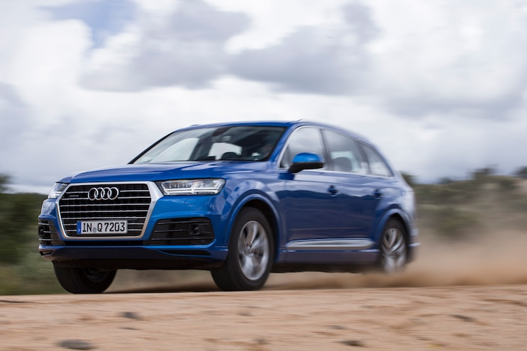 2016 Audi Q7 Front Three Quarters In Motion