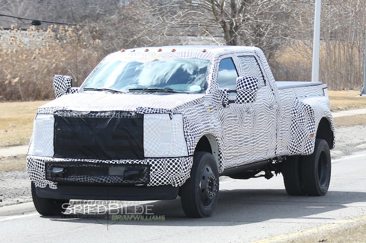 SPIED: 2017 Ford F-Series Super Duty Dualie, Chassis Cab, Others