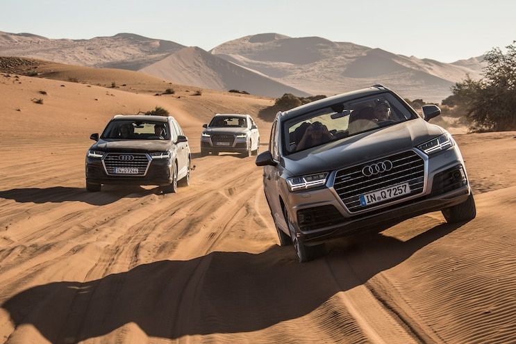 2016 Audi Q7 Front End In Motion 04