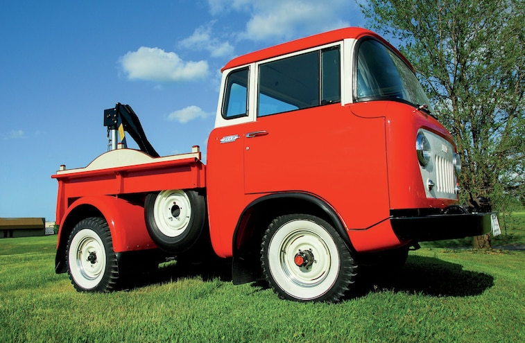 1957 Jeep Fc150 Wrecker Front Side View