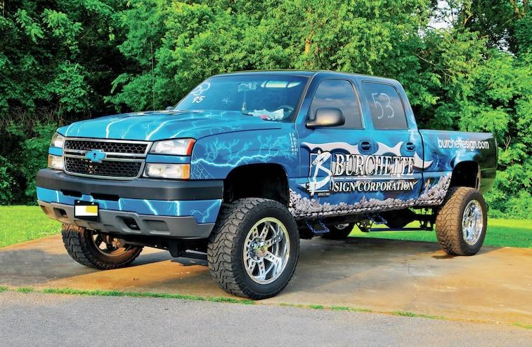 2006 Chevrolet Silverado Front Side View