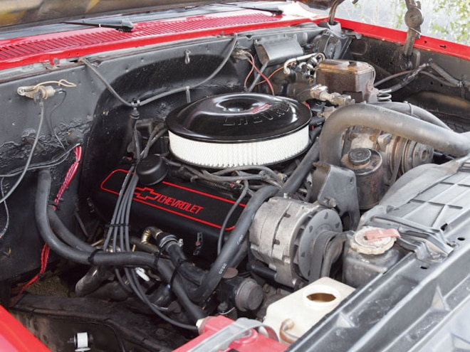 1986 Chevrolet Crew Cab Dualie engine Compartment