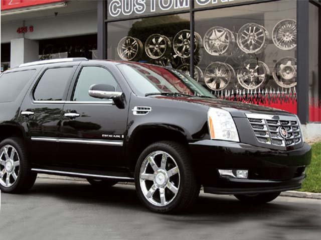 2007 Cadillac Escalade passengers Side View