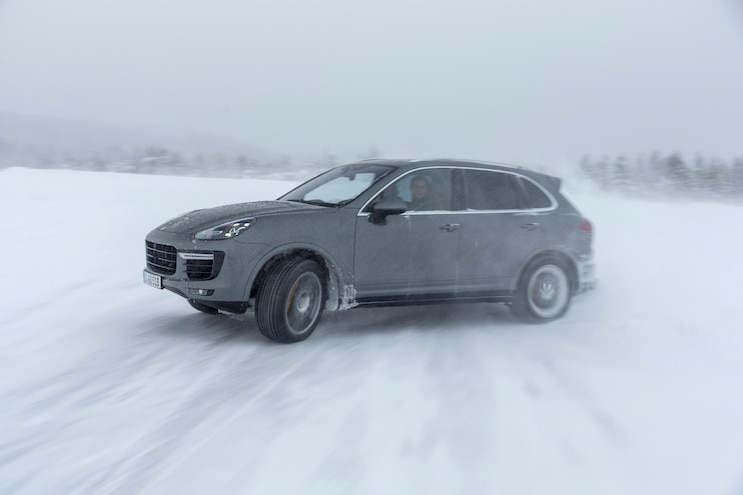 2016 Porsche Cayenne Turbo S Side In Motion