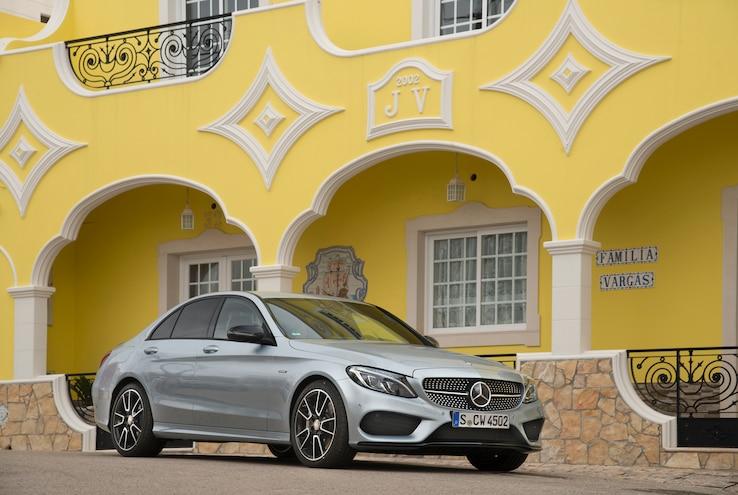 2016 Mercedes Benz C450 AMG 4Matic Front Three Quarter Static 02