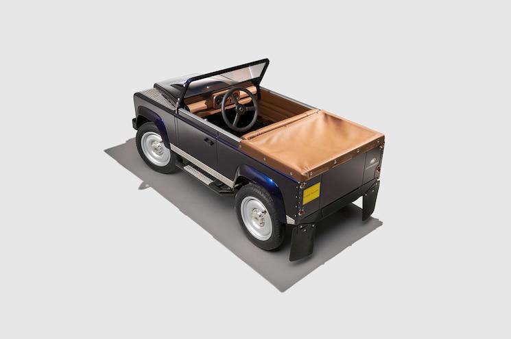 Land Rover Defender Pedal Car Rear Three Quarter 02 High