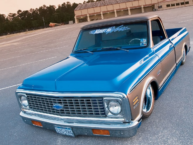 1971 Chevrolet C10 front Drivers Side View
