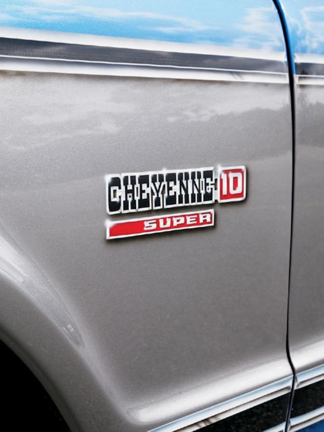 1971 Chevrolet C10 cheyenne Logo
