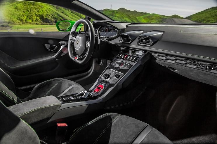 2014 Lamborghini Huracan Interior 02