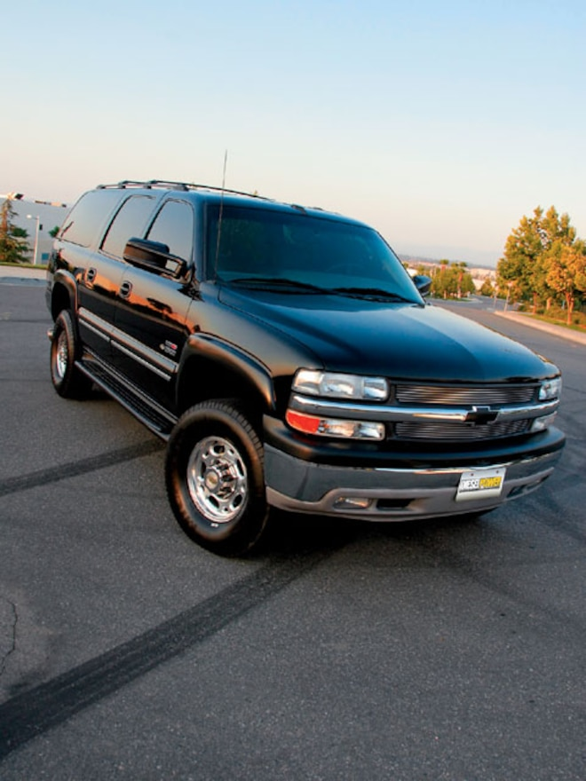 2000 Chevy Suburban front View