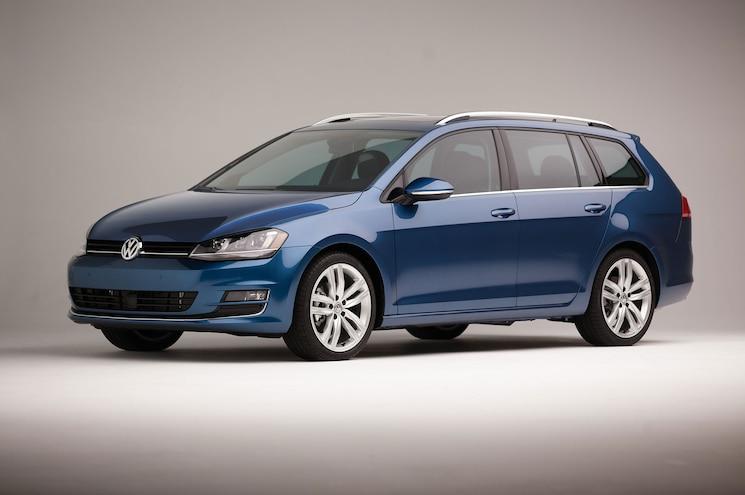 2015 Volkswagen Golf SportWagen Front Three Quarter