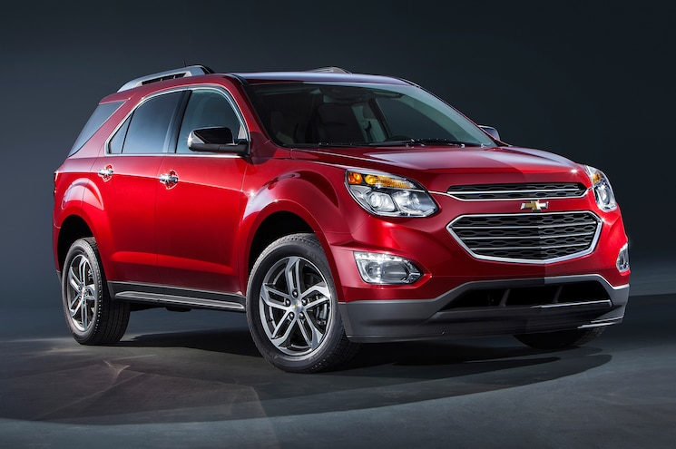2016 Chevrolet Equinox LTZ Front Three Quarter 02