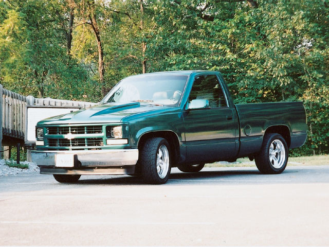 1995 Chevrolet Silverado C1500 front Drivers Side View