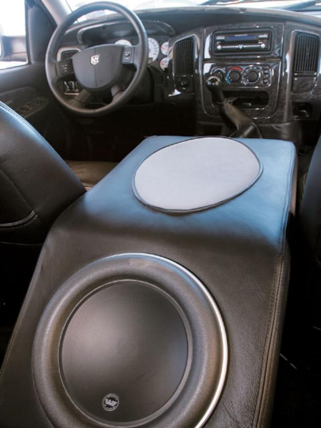 2004 Dodge Ram 3500 Dualie interior Subwoofer