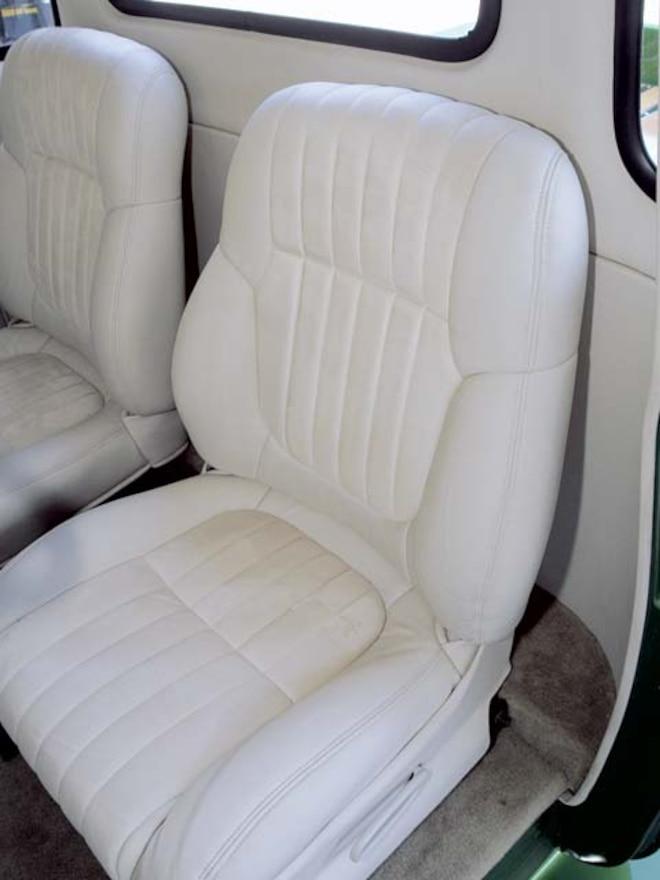 1952 Chevrolet 3100 custom Seats