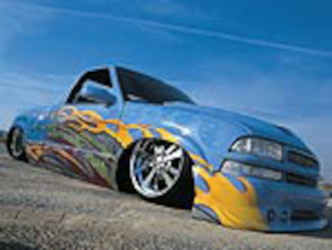 Custom 2000 Chevrolet S-10 Extreme Stepside - Feature Truck