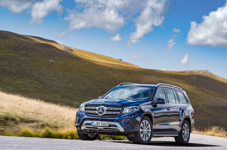 2017 Mercedes Benz GLS350d 4Matic Front Three Quarters In Motion