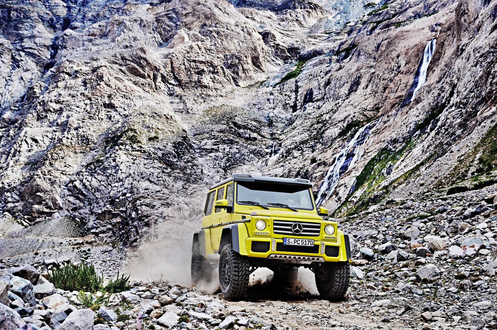 2016 Mercedes-Benz G500 4x4-2 Doubles Ground Clearance, Breakover Angle