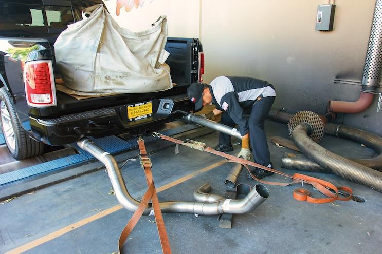 04 2015 Ram 1500 EcoDiesel Dyno Emissions Test Dual Exhuast Catchers