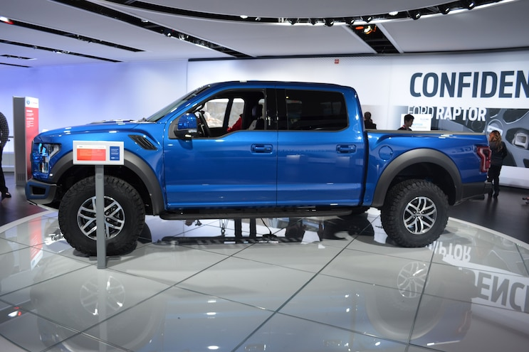 2017 Ford Raptor Crew Cab Side Shot