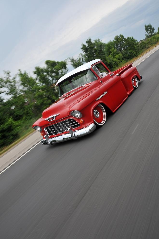 01 1955 Chevrolet 3100 Rolling