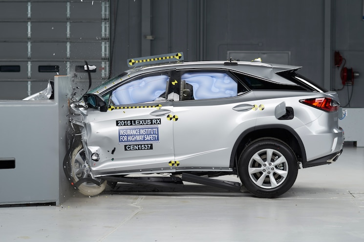 2016 Lexus RX Named Top Safety Pick+