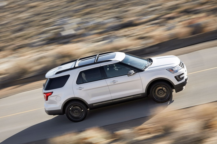 2017 Ford Explorer Xlt Sport Right Side Driving