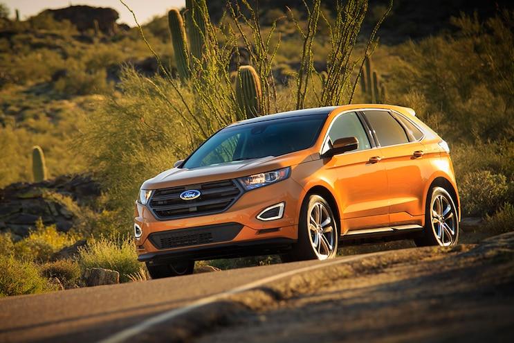 2015 Ford Edge Front Three Quarter 05