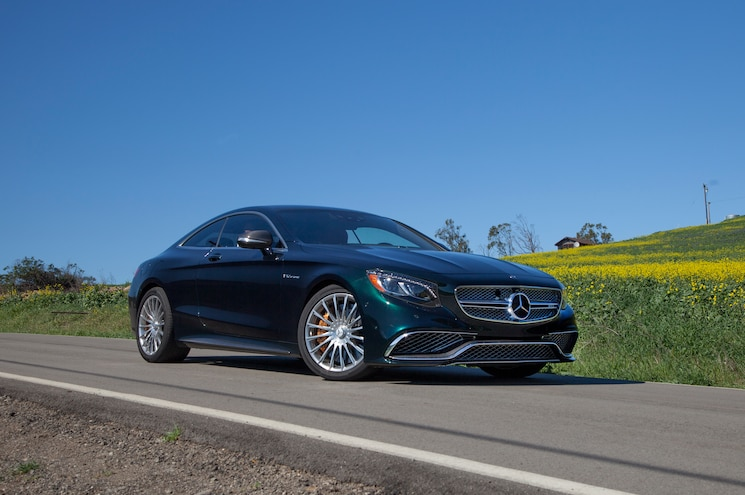 2015 Mercedes Benz S65 AMG Coupe Front Three Quarter 02